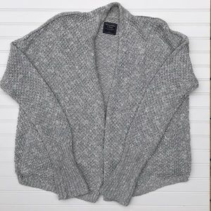 Abercrombie sweater knit cardigan! SIZE L